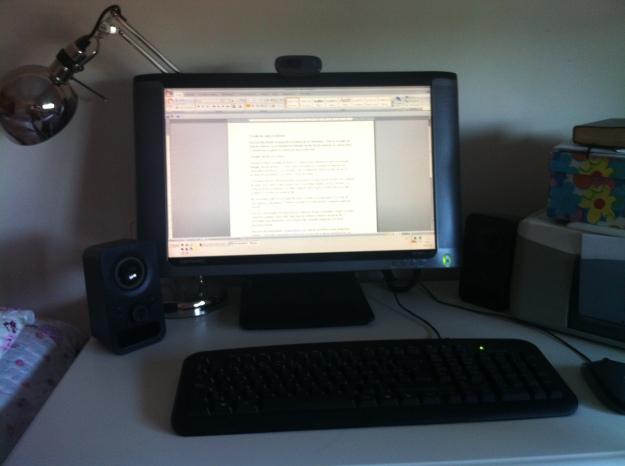 escritorio de mi dormitorio